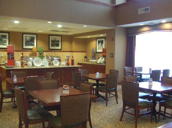 Hampton Inn Suites Phoenix Surprise: Hampton Inn Lobby