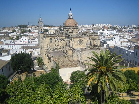 ‪‪La Fonda Barranco‬: Jerez Cathedral from the Alcazar‬