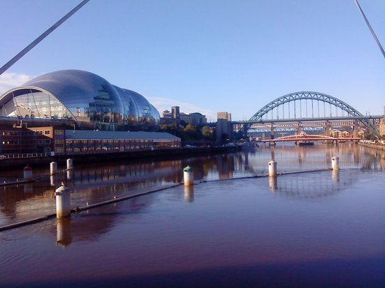 Newcastle upon Tyne, UK : Tyne Bridge and The Sage Gateshead