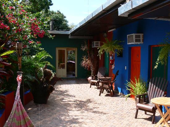 Puerto Canoas: Courtyard