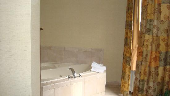 Hampton Inn Brattleboro : Whirlpool!