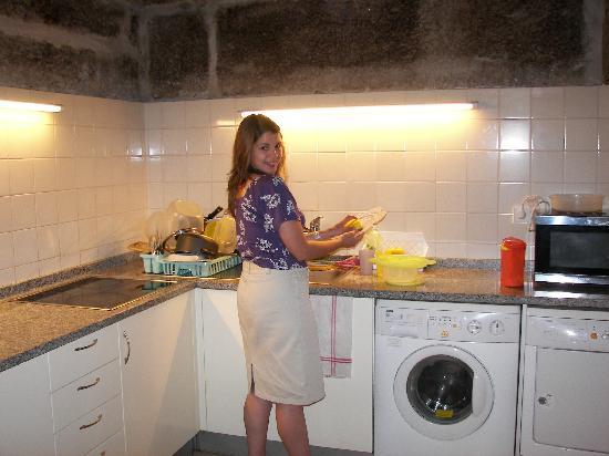 Pousada de Juventude : Kitchen and Laundry Room