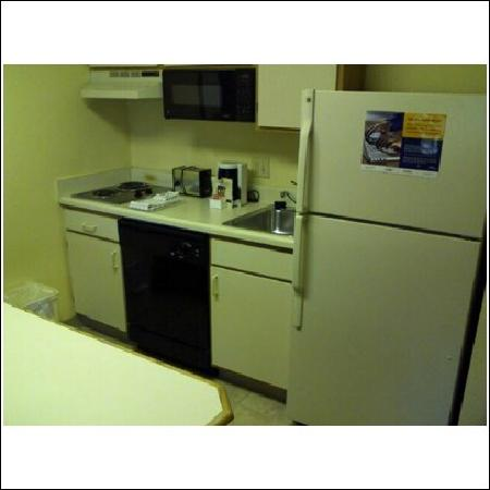 Extended Stay America - Raleigh - Northeast: The kitchen