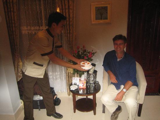 Hanoi City Palace Hotel : surprise anniversaire!!Merci encore