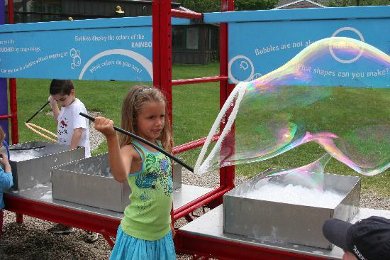 Stepping Stones Museum for Children: making huge bubbles in the bubble exhibit!