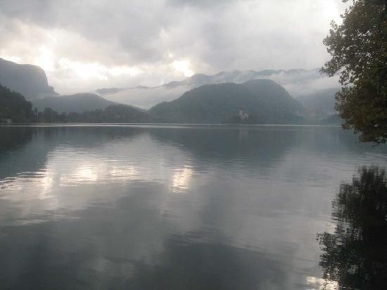 Bledec Youth Hostel: Lake Bled, only 10 mins walk from Bledec Hostel.