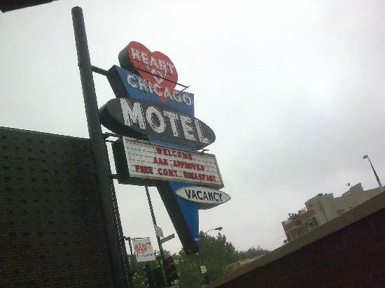Heart O' Chicago Motel: beautiful sign