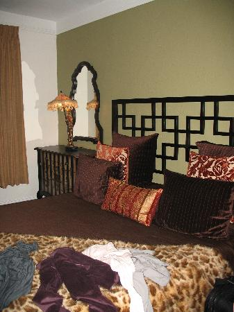 Hotel Beach Plaza: Nice furniture in deluxe room