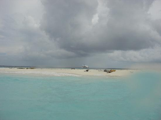 It Does Rain In The Maldives Especially In October Picture