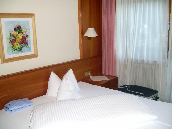 Hotel Crystal: cama comoda grande 2