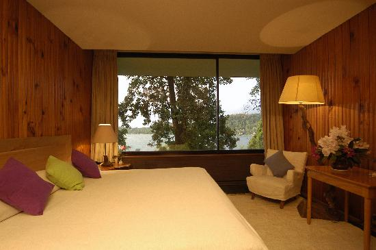 Hotel Antumalal: The rooms, they all over look the lake