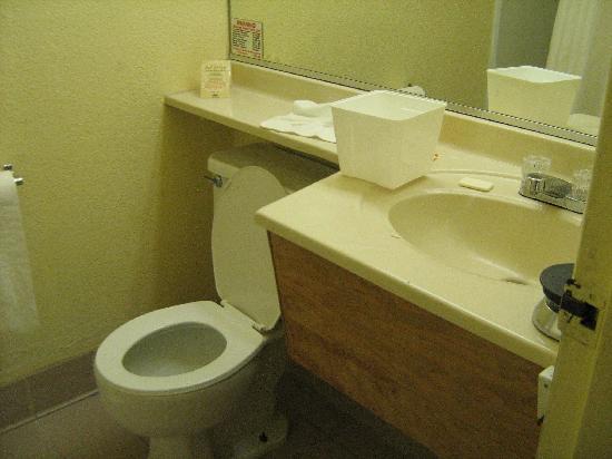 Motel 6 Visalia: Il bagno