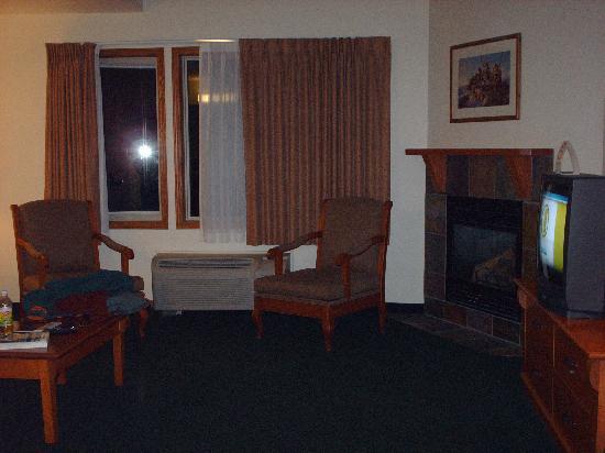 Spruce Grove Inn: room 624 - main floor