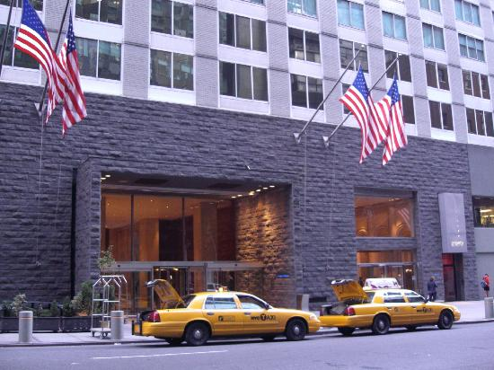 foto de le parker meridien new york nueva york outside. Black Bedroom Furniture Sets. Home Design Ideas