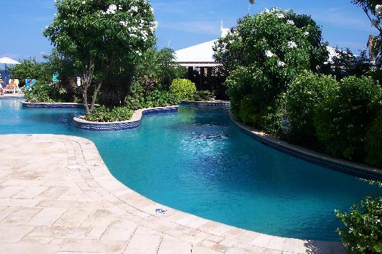 Tropikist Beach Hotel & Resort: the pool area