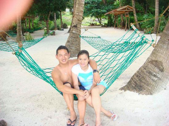 Amarela Resort: hammocks @ the beachfront