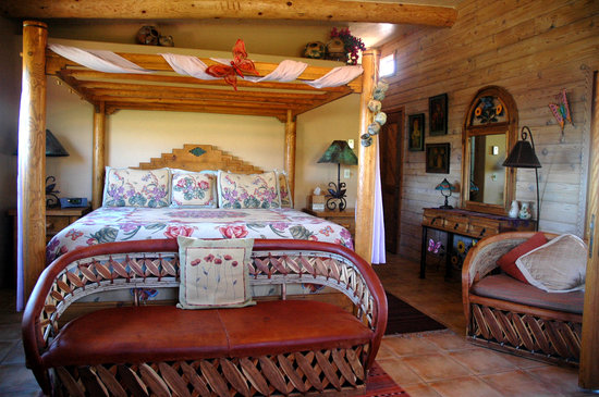 Hacienda de la Mariposa Bed and Breakfast Resort: One of the Bedrooms