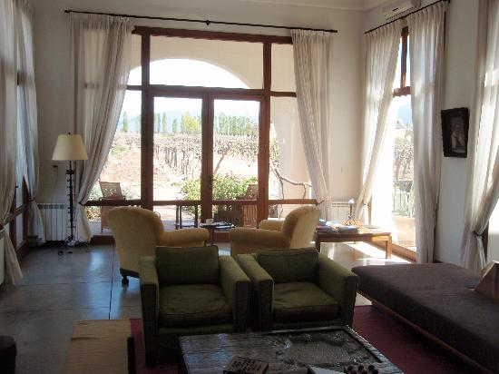 Cavas Wine Lodge: from the main lodge t the vineyard