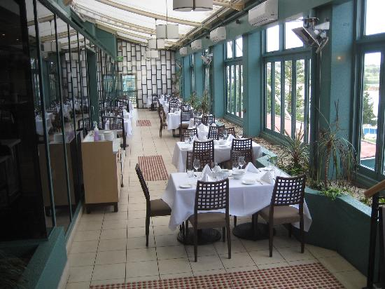 Crowne Plaza Hotel Coogee Beach Sydney Restaurant With Views Of