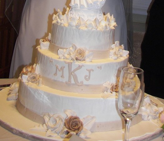 Swiss Confectionery Inc.: Wedding Cake From Swiss