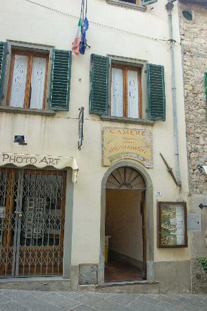 Pensione Elio Pistolesi : Front of the hostel