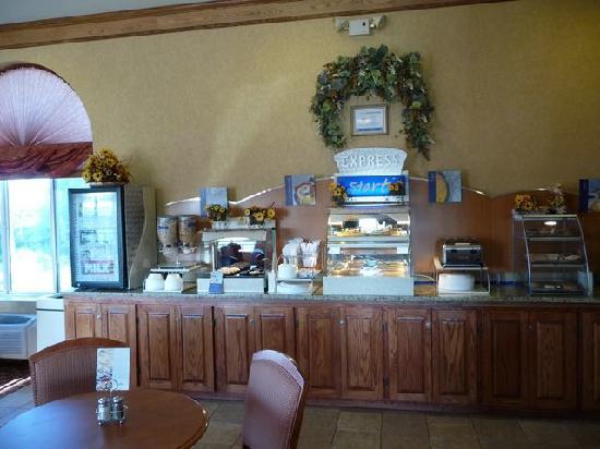 Quality Inn Alliance: Frühstücksbuffet