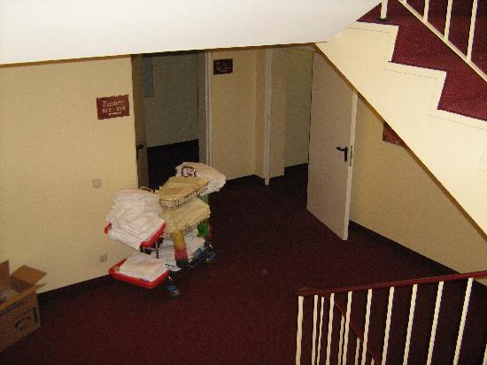 St. Joseph Hotel: Treppenhaus II