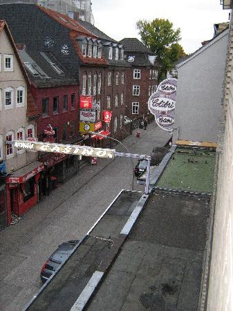 St. Joseph Hotel : Fensterblick I