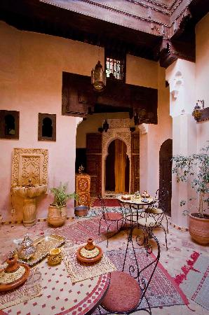 Riad Filalia: central courtyard