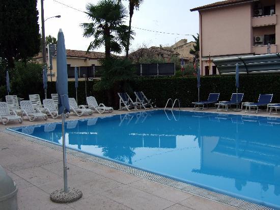 Hotel Idania: Pool