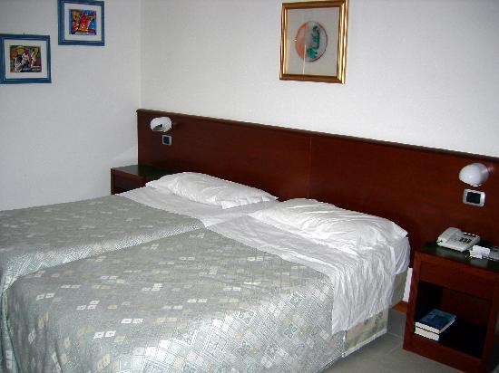 Hotel Idania: Our room