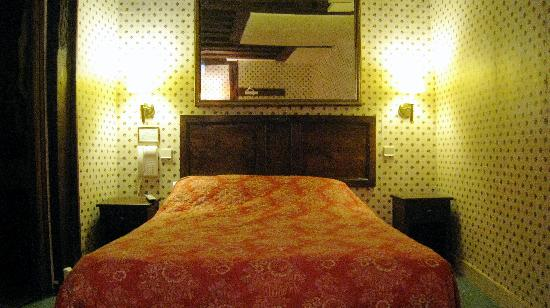Hotel du Lys: the room