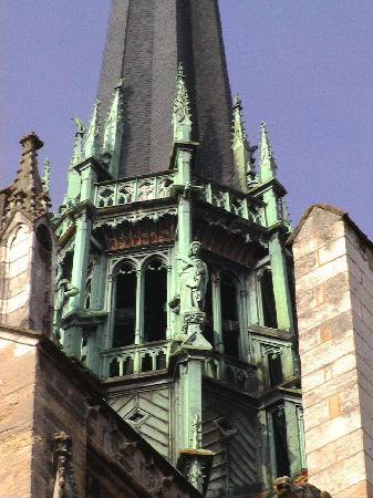 Cathédrale Saint-Bénigne de Dijon: St Bénigne