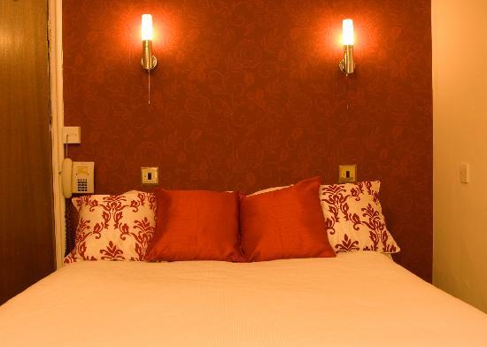 Hillcrest: Double bedroom