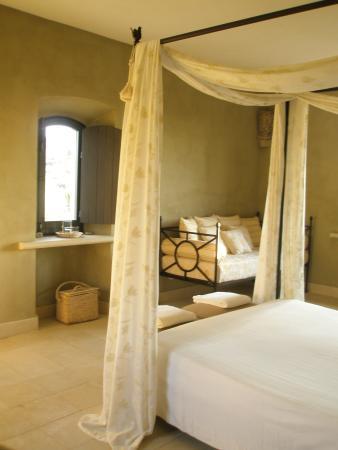Mandranova / Villa La Robazza / Il Casello: Our gorgeous room