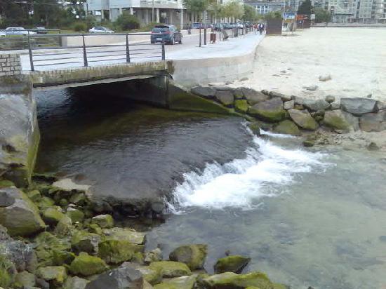 Galicja, Hiszpania: An Estruary in Baiona