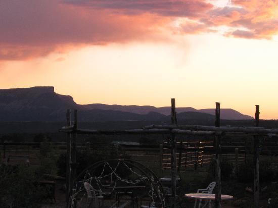 Sundance Bear Lodge: Mesa Verde sunset view