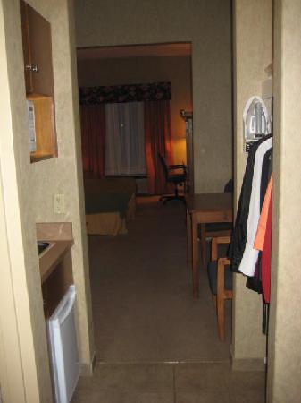Holiday Inn Express: hallway