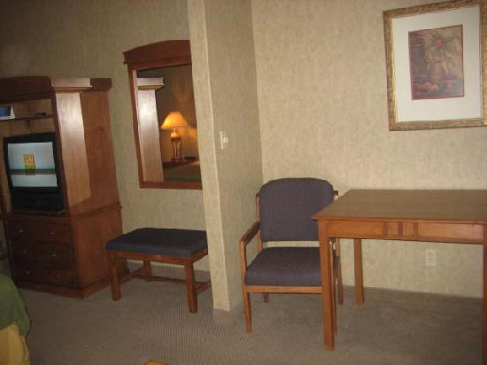 Holiday Inn Express: dining room