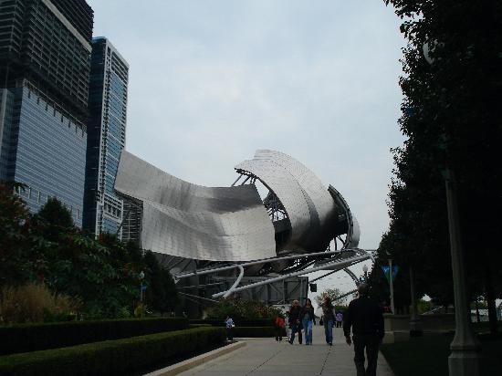 Клауд-Гейт (Облачные врата): Gehry Bandshell