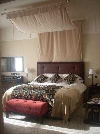 Lough Eske Castle, a Solis Hotel & Spa: Most amazing bed ever!