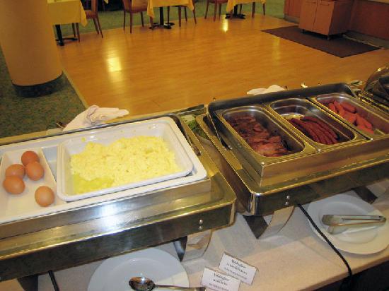 Holiday Inn Vilnius: Breakfast 2