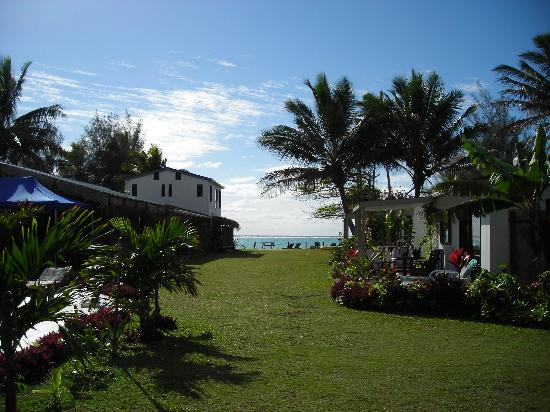 Muri Beach Resort: View to the Lagoon