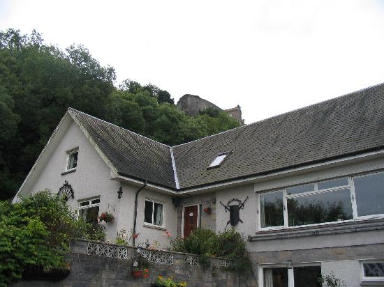 Castlecroft: B&B with Castle above