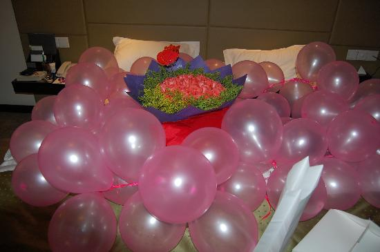 Holiday Inn Central Plaza : Birthday Surprise as organised by the wonderfuul Storm