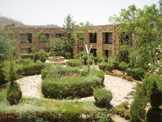 Aksum, Ethiopia: Entrée et cour hotel Yeha-Axoum