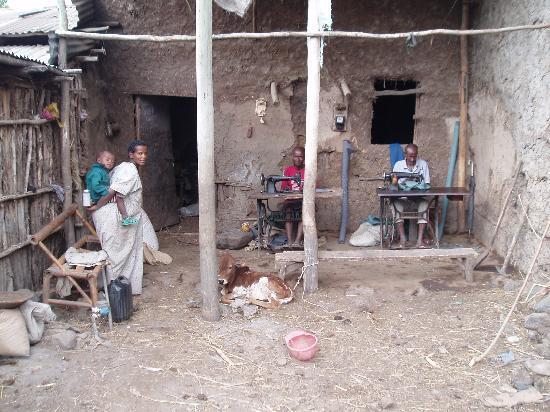 Blue Nile Falls: tailleurs dans un village éthiopien près des chutes du nil bleu