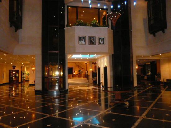 Le Meridien Jeddah: Lobby view 1