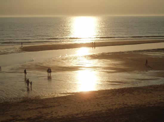 Lacanau-Ocean, Prancis: coucher de soleil sur l'océan