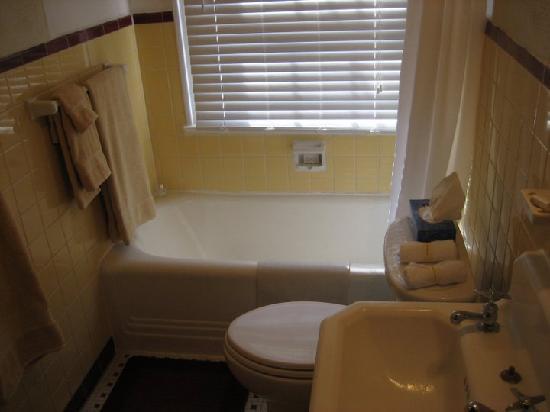 The Madison - San Antonio Riverwalk : Bath